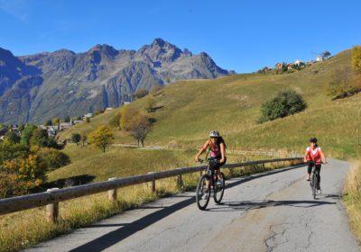 La montée de l'Alpe d'Huez, la discrète en vélo électrique